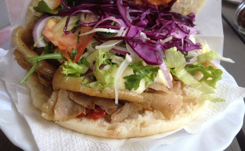 "Lister Döner, Hannover<span class=""rating-result after_title mr-filter rating-result-10"" itemscope itemtype=""http://schema.org/Article"" ><span class=""mr-star-rating"">			    <i class=""fa fa-star mr-star-full""></i>	    	    <i class=""fa fa-star mr-star-full""></i>	    	    <i class=""fa fa-star mr-star-full""></i>	    	    <i class=""fa fa-star mr-star-full""></i>	    	    <i class=""fa fa-star-o mr-star-empty""></i>	    </span><span class=""star-result"">	3.94/5</span>			<span class=""count"">(1)</span>			</span>"